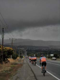 TDU Community Ride 2015, Heading south to Sellicks Hill as the rain threatens.